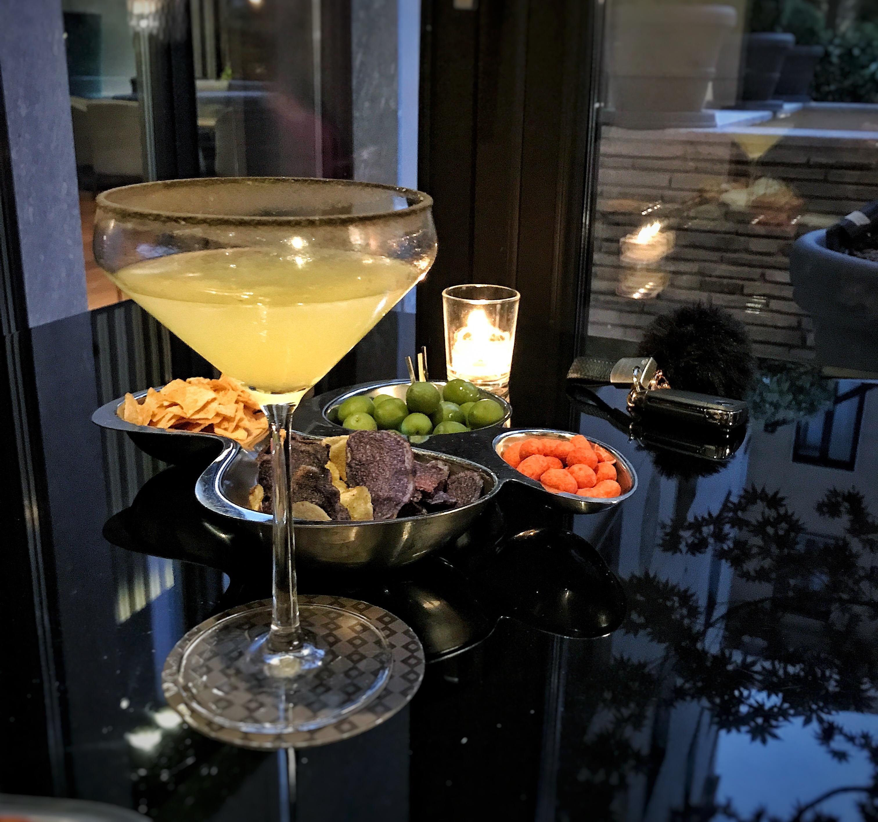 "Cocktail ""The Dark Side of The Margarita"" et amuses bouche au Mandarin Oriental Milan"