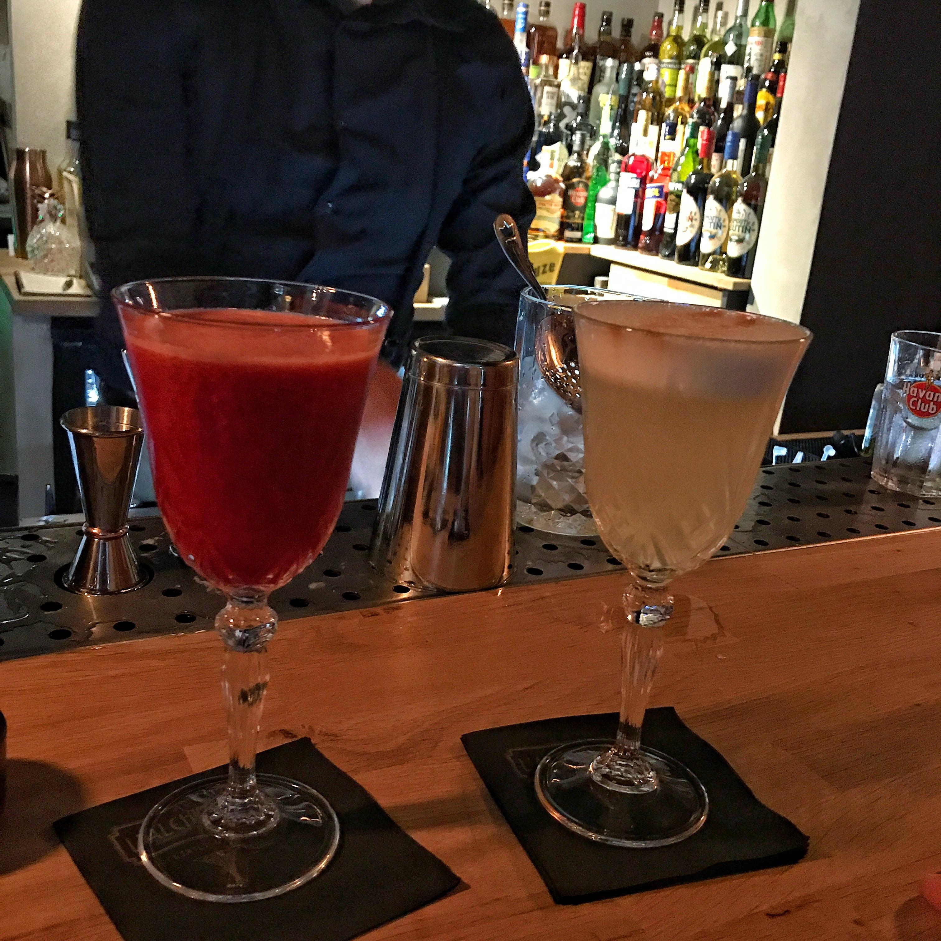L'Alchimiste : Raspberry Desire et Pisco Sour